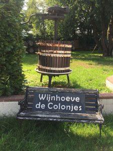 Wijnhoeve de Colonjes, wijnvat, wijn maken, bankje