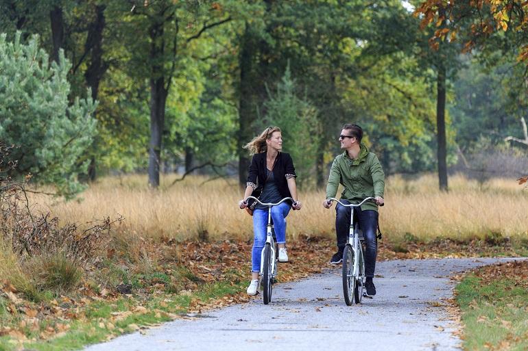 Samen fietsen op de Hoge Veluwe